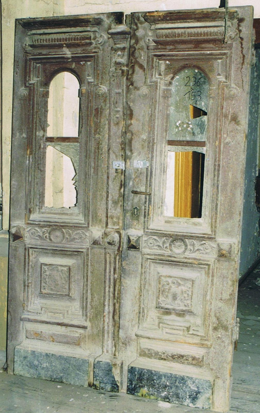 altberliner bauelemente historische antike haust ren. Black Bedroom Furniture Sets. Home Design Ideas