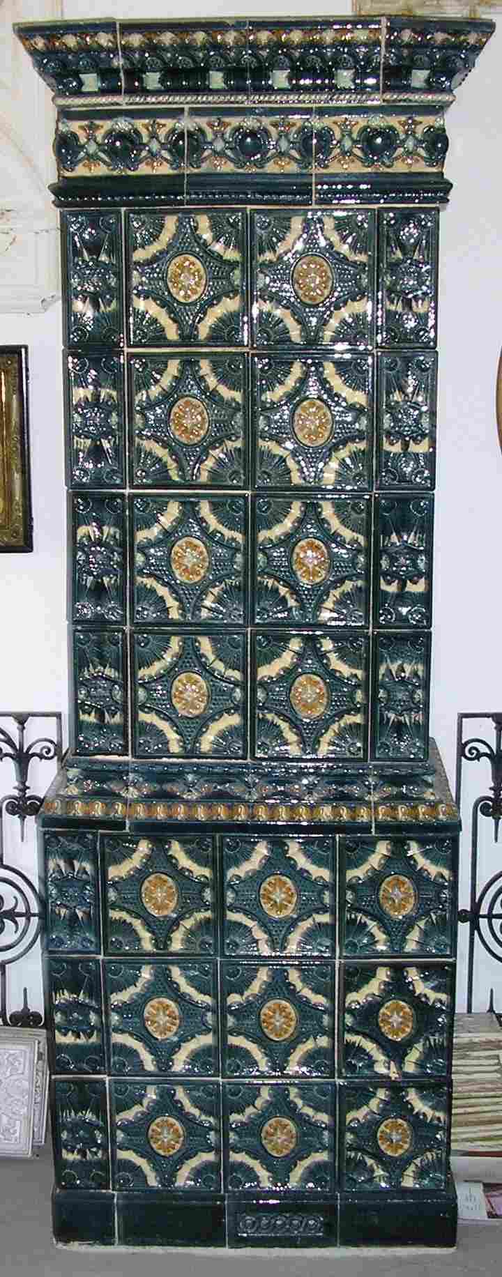 altberliner bauelemente historische antike fen im ausstelungsraum. Black Bedroom Furniture Sets. Home Design Ideas