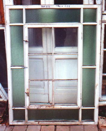 altberliner bauelemente historische antike treppenhausfenster. Black Bedroom Furniture Sets. Home Design Ideas